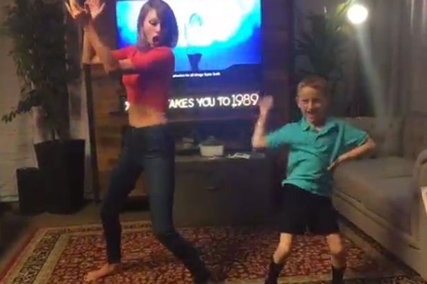"7-year Old ""Shake it off"" with Taylor Swift"